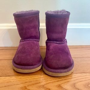 EUC purple baby ugg boots size 6